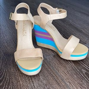 Leather splendid wedges with colorful wedge